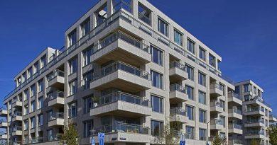 Auf der Cruquius Insel im Osthafengebiet in Amsterdam sind zwei Wohn- und Geschäftsgebäude realisiert worden. Bei der Fassadengestaltung entschied sich Architekt Jeroen Geurst vom Den Haager Büro Geurst & Schulze für die Hagemeister-Sortierung Langeland HSG. Foto: Andreas Secci