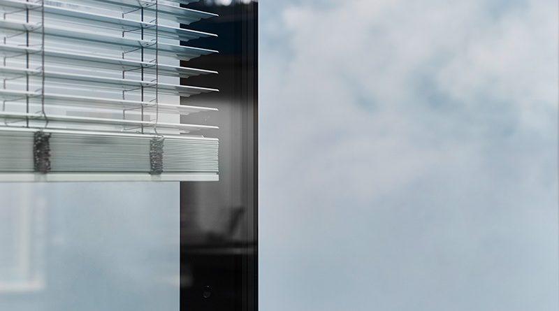 Anhand eines ISOshade RS-Exponats zeigt iconic skin die Funktionsweise der Hochleistungs-Fassade. Foto: Olaf Becker