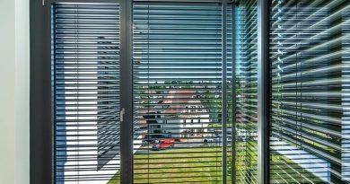 Außenliegende Raffstoren schaffen kühle Temperaturen für die Bewohner. ROMA KG, Foto: Sven Rahm Fotografie