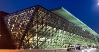 Flughafenterminal Krakau-Balice mit Systemen von ALUPROF erbaut