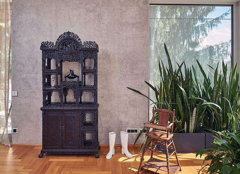 Der Liapor-Leichtbeton sorgt im Inneren für ein hervorragendes, stets ausgeglichenes Raumklima, das auch in den traditionellen Sandsteinbauten herrscht. Foto: Udo Schönewald