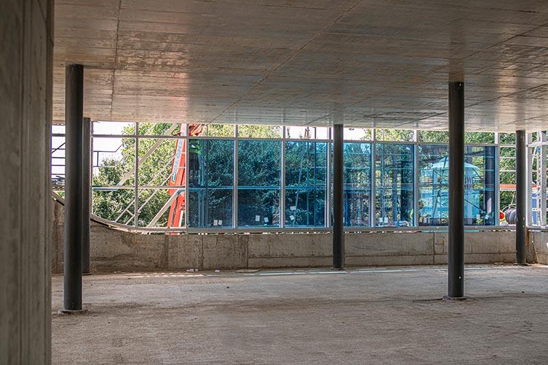 Etwa drei Monate hat Freyler Metallbau für die Fassadenmontage avisiert, anschließend startet der Innenausbau. Bild: FREYLER