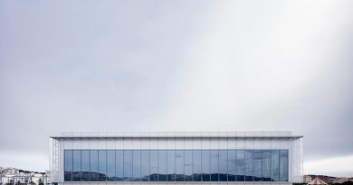 Mit hochselektiven Schichten werden Gebäude ausgestattet, die einen effektiven Sonnenschutz und gleichzeitig ein Maximum an natürlichem Tageslicht benötigen. Im Bild das Casino JOA in La Seyne-Sur-Mer, Frankreich. Foto: AGC Interpane