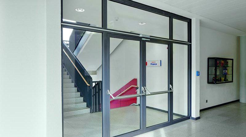 Fluchttüren und Anti-Panik-Türen mit Verbundsicherheitsglas