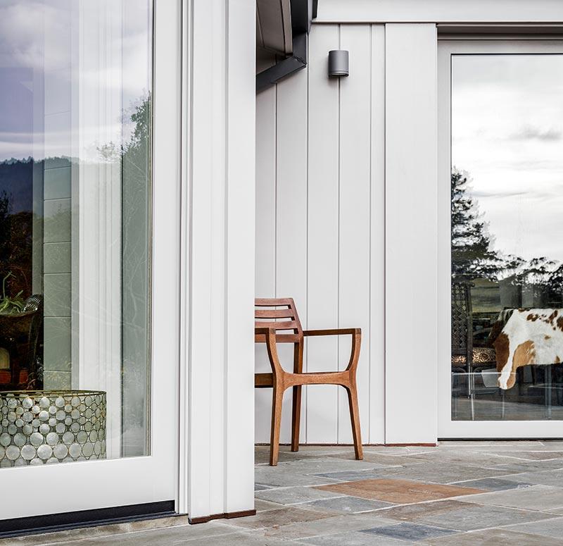 Die neuen Fassadenplatten HardiePlank VL wurden speziell für hinterlüftete Fassadenkonstruktionen von Wohnhäusern und kleinen Geschäftsgebäuden entwickelt. Bildnachweis: James Hardie Europe GmbH