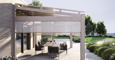 Vollintegrierbare Schiebetür- und Beschattungselemente lassen sich harmonisch mit dem Terrassendachsystem heroal OR kombinieren. Foto: heroal