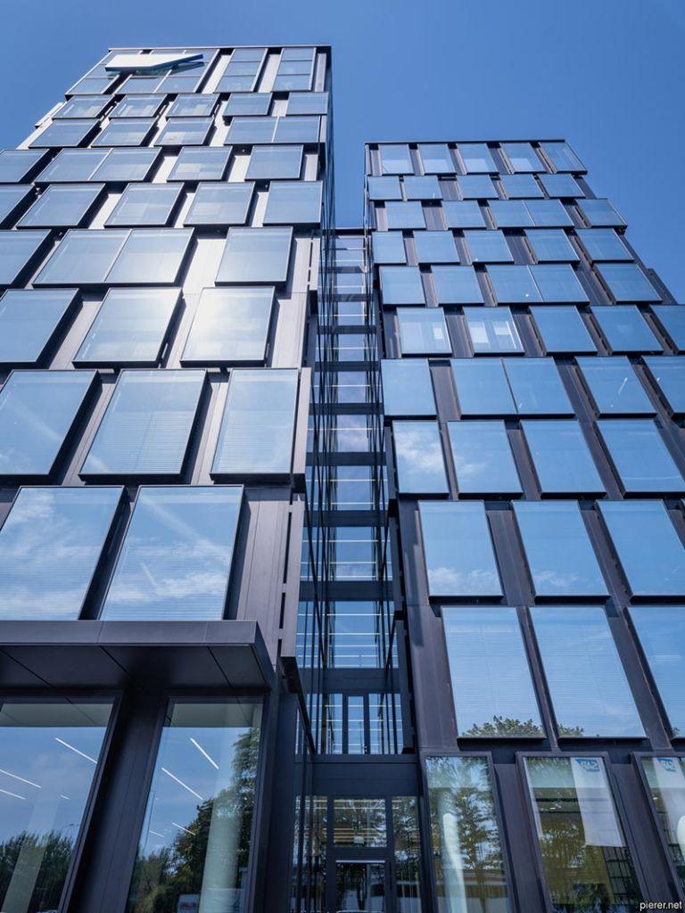 Für die Außenverglasung der Firmenzentrale von SAP in Eschborn kam Guardian SunGuard HD Diamond 66 zum Einsatz; Bildquelle: pierer.net